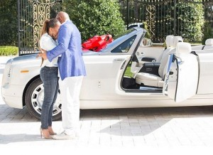 0000 comedian-steve-harvey-buys-rolls-royce-drophead-coupe-for-his-wife_1-600x436