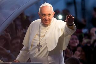 Pope Francis Leads Way Of The Cross On Rio's Copacabana Beach