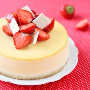 Vanilla strawberry cheesecake